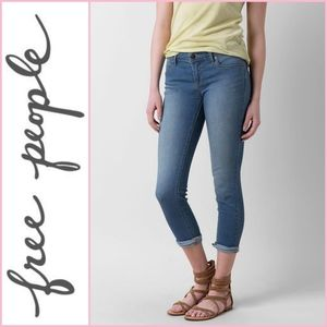 FIRM PRICE Free People Roller Crop Skinny Jeans